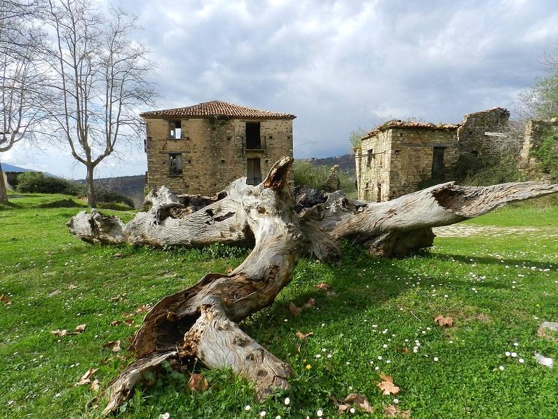 Gelbison e il borgo di Roscigno