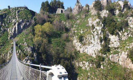 Laviano Dal Castello Al Ponte