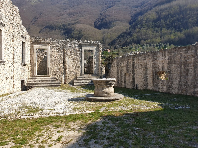 Laviano e il suo Castello