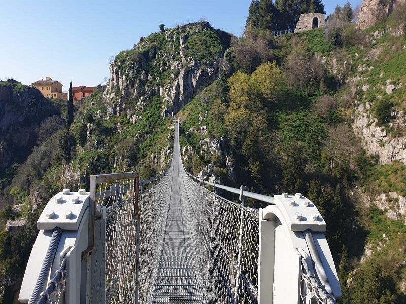 Laviano e il suo Ponte