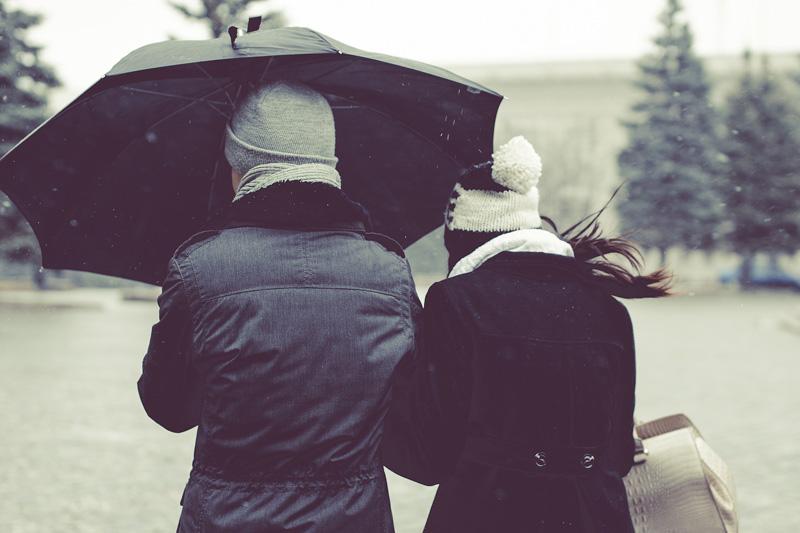 Pasquetta - Due giovani sotto la pioggia