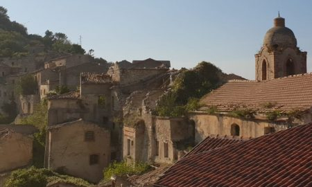 Romagnano al Monte -Uno scorcio del paese fantasma