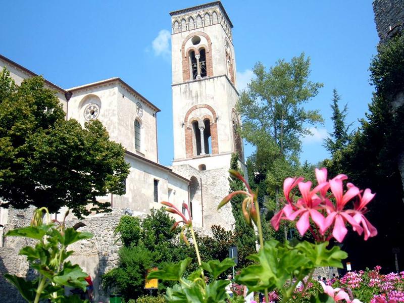 La città di Ravello- campanile del Duomo di Ravello