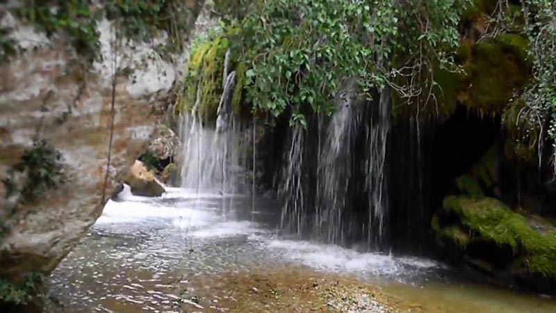 Cascate Dei Capelli di Venere - Scorcio dietro la roccia