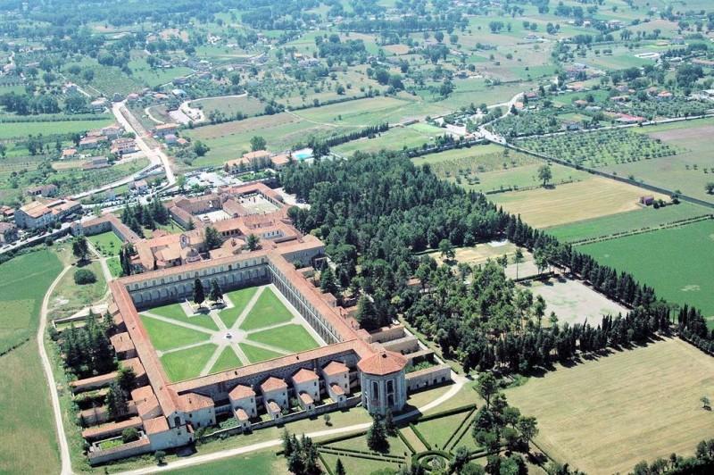 Vista dall'alto della Certosa di Padula
