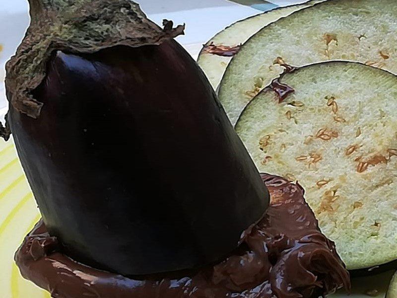 Melanzana al cioccolato - piatto di melanzana al cioccolato