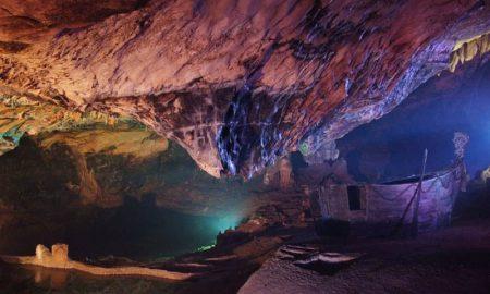 La caratteristica pagoda delle Grotte di Castelcivita