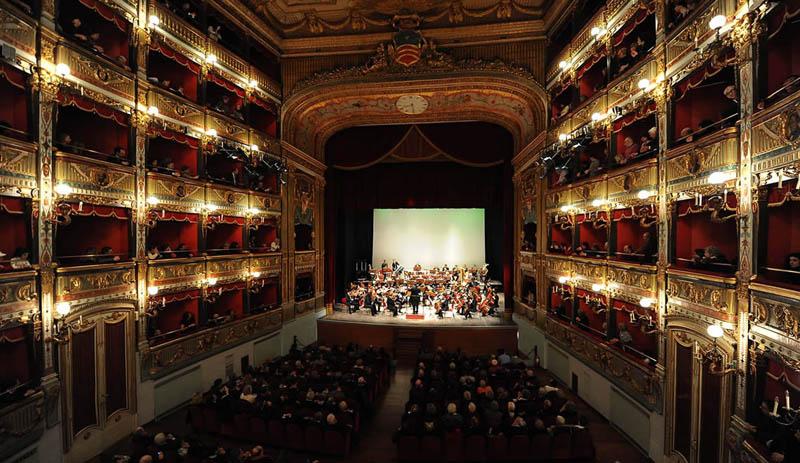 Teatro Verdi durante un concerto in atto