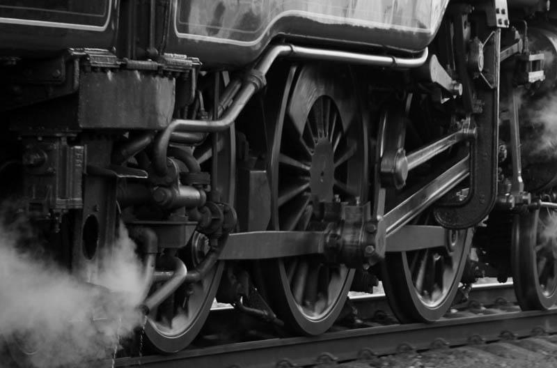 Treno in azione sulla linea Sicignano Lagonegro