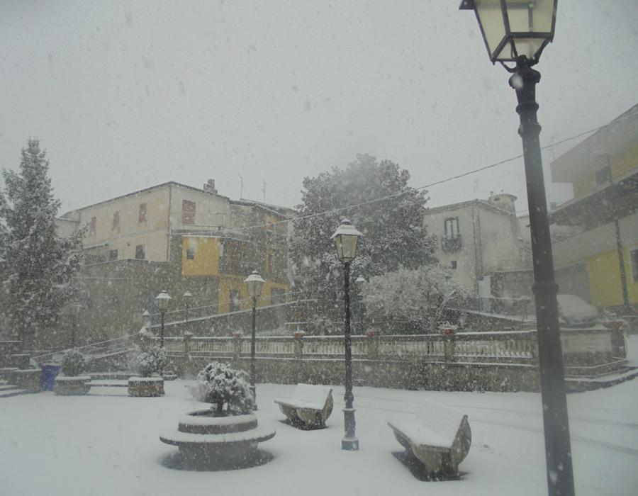 il Cilento d'inverno: Ostigliano visto dalla piazza che porta a San Rocco