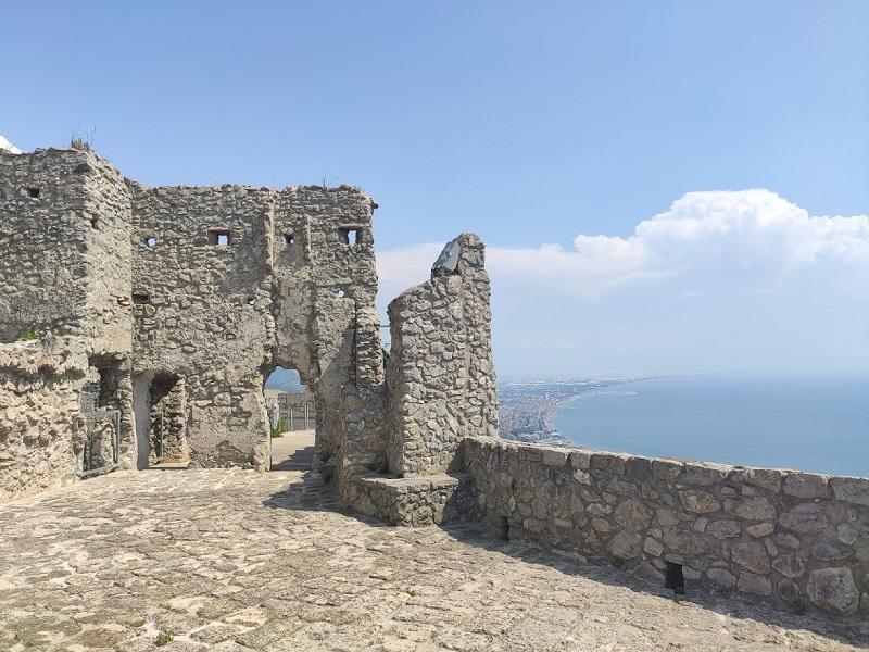 San Valentino tra i passaggi del Castello Arechi
