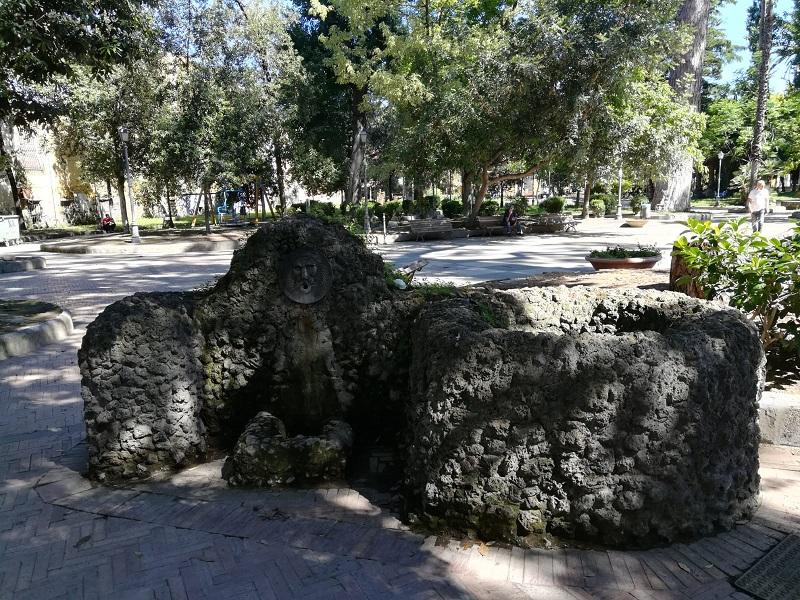 Fontana E Pozzo
