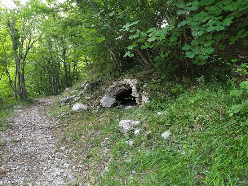 La Prima Grotta Di Una Lunga Serie