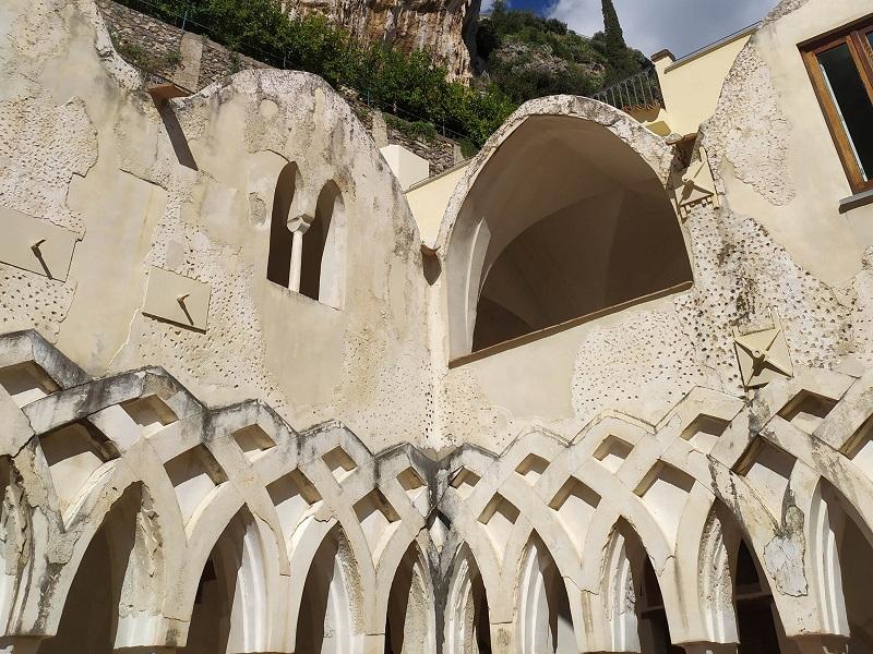 Chiostro Moresco Di San Pietro Della Canonica Ad Amalfi