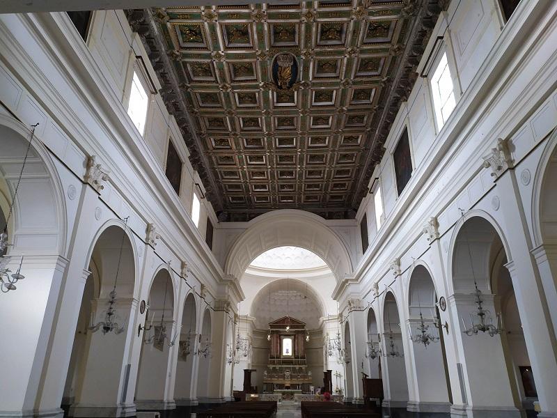 Interno Di Santa Maria A Mare Con Soffitto A Cassettoni