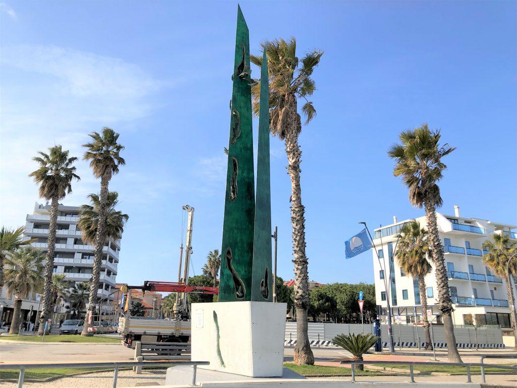 Monumento A Salvo D'acquisto , vista dal mare