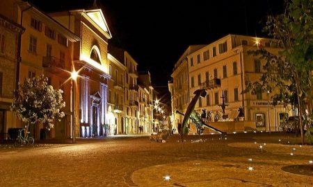 Vista notturna Piazza Matteotti