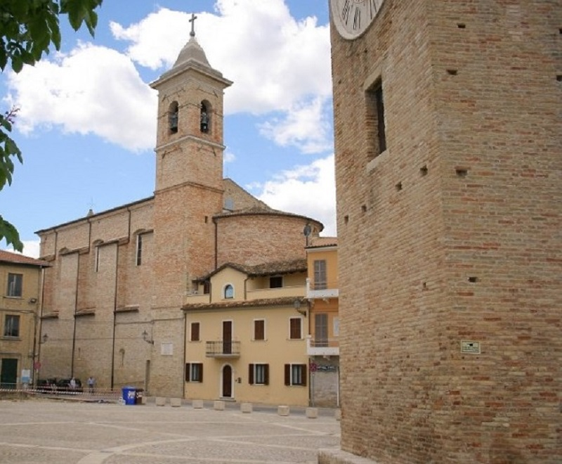 Vista campanile e abside dell'Abbazia S. Benedetto Martire