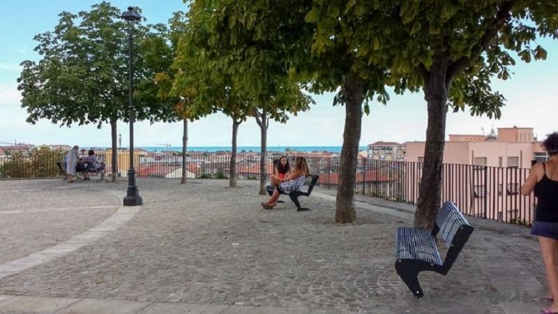 Piazza Giuseppe Sacconi Lato Mare