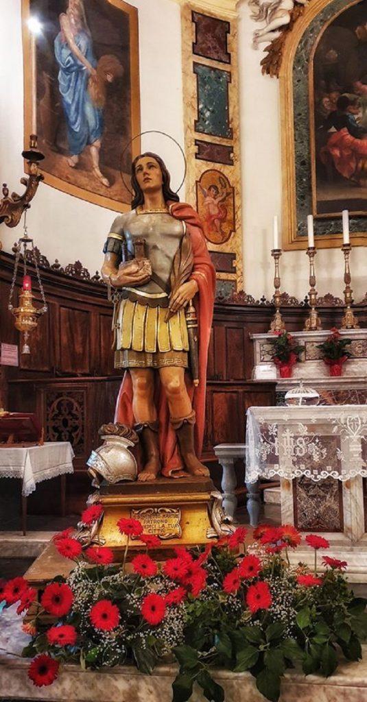 Statua San Benedetto Martire