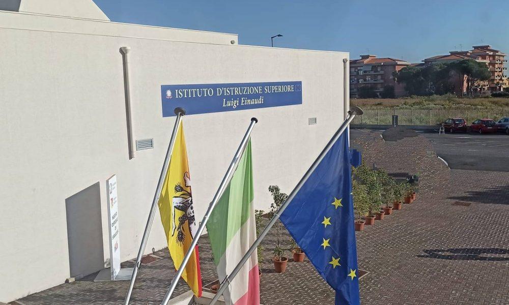 Liceo Einaudi dove si sono svolte le fasi delle Olimpiadi di italiano