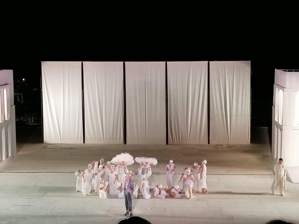 Nuvole Di Aristofane Al Teatro Greco Di Siracusa