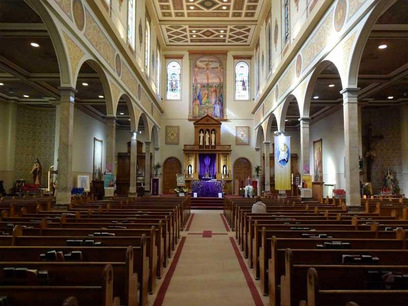 St. Clare's Church - Navata