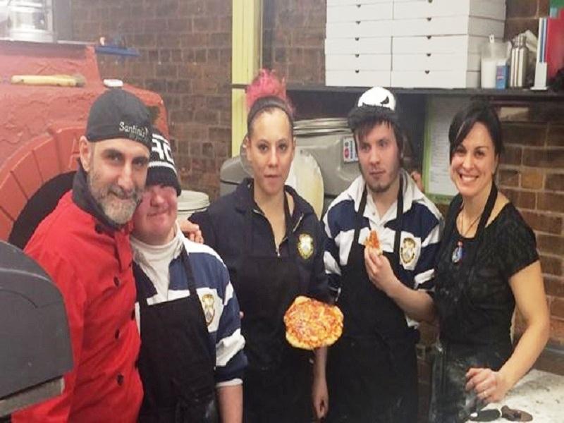 Chef Italiano. Andrea de Matteis e alcuni studenti