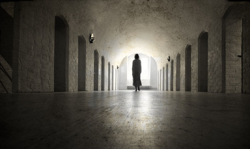 Leggenda del fantasma del planetario - lo spettro si aggira tra i corridoi