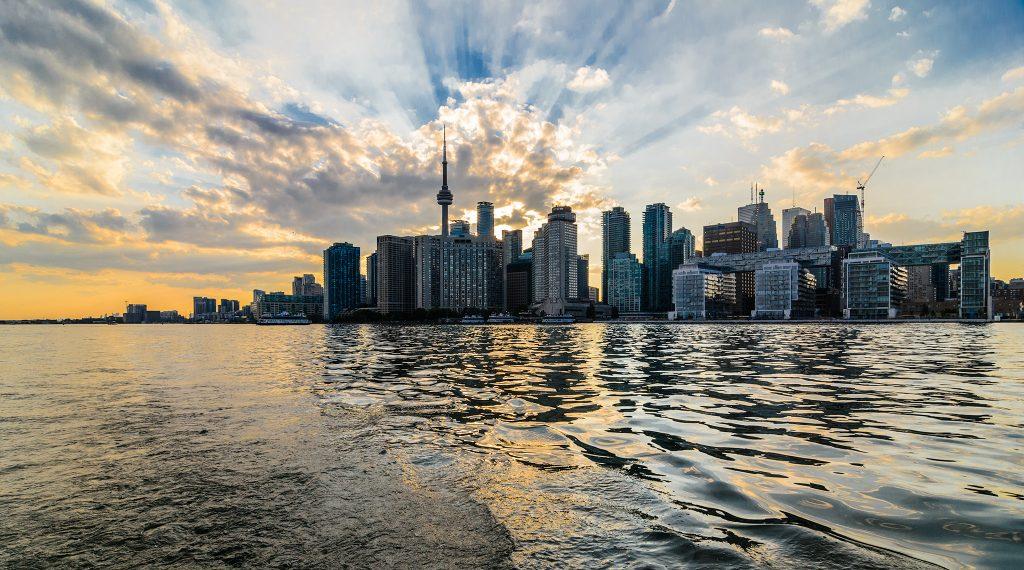 mostro del lago Ontario - Toronto vista dal Lago Ontario