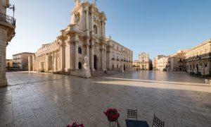 Cropped Sicilia In Piazza.jpg