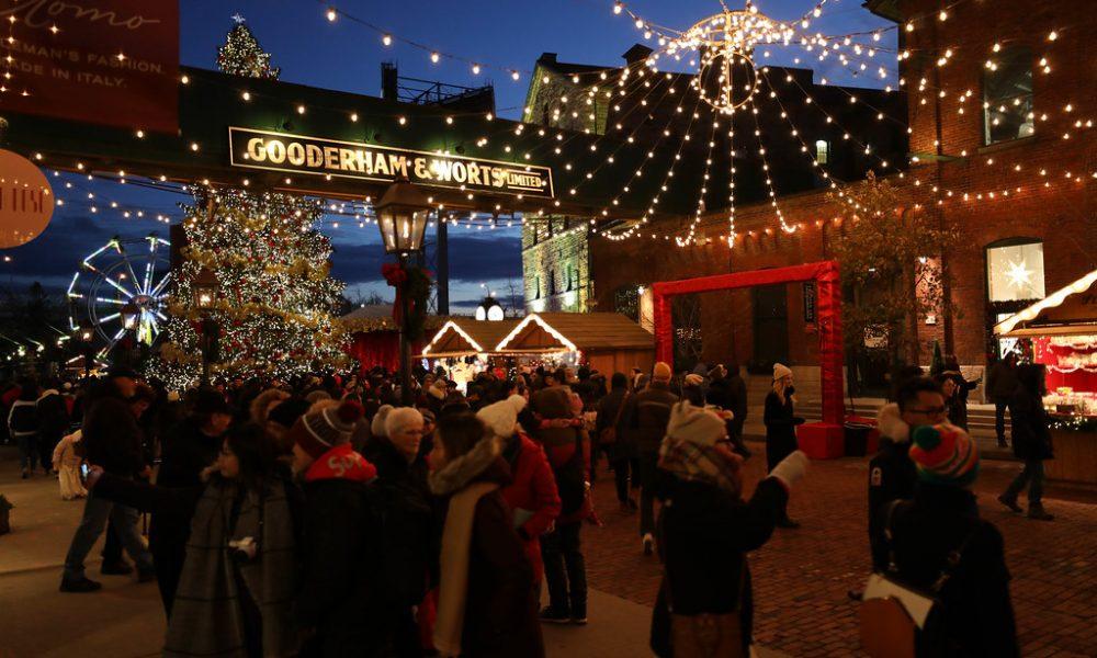 Toronto Christmas Market Visuale