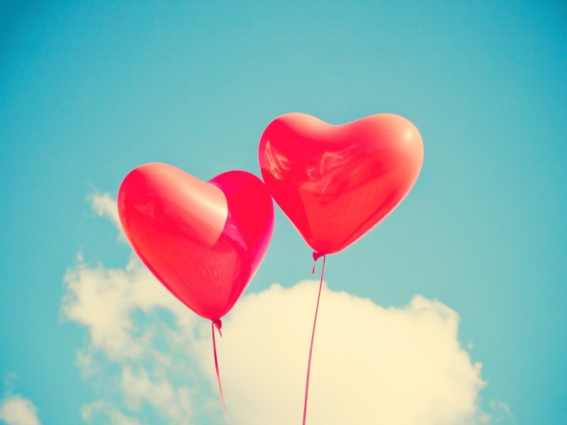 valentine's day : heart-shaped ballons