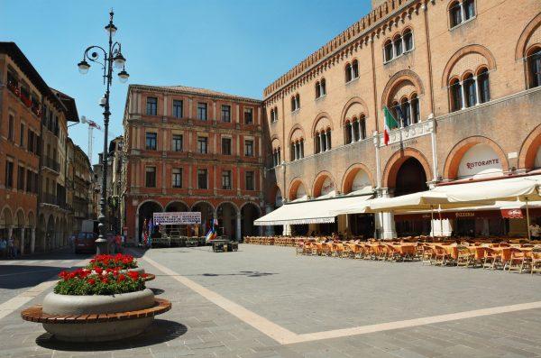 Piazza Dei Signori Treviso - la piazza oggi