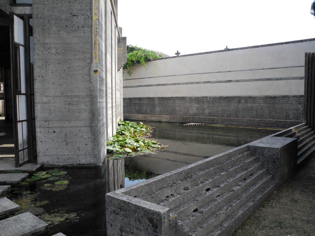 Scorcio della tomba realizzata su progetto di Carlo Scarpa