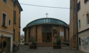 Chiesa di San Martino Urbano che affianca il campanile del XIII secolo
