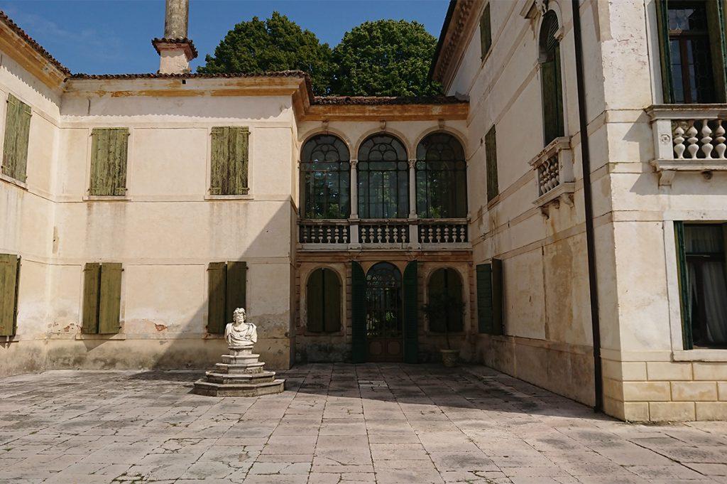 Villa Tiepolo Passi Fronte