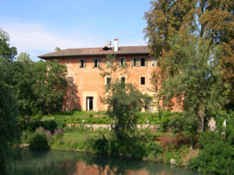 Il parco intorno a Villa Ottelio Savorgnan