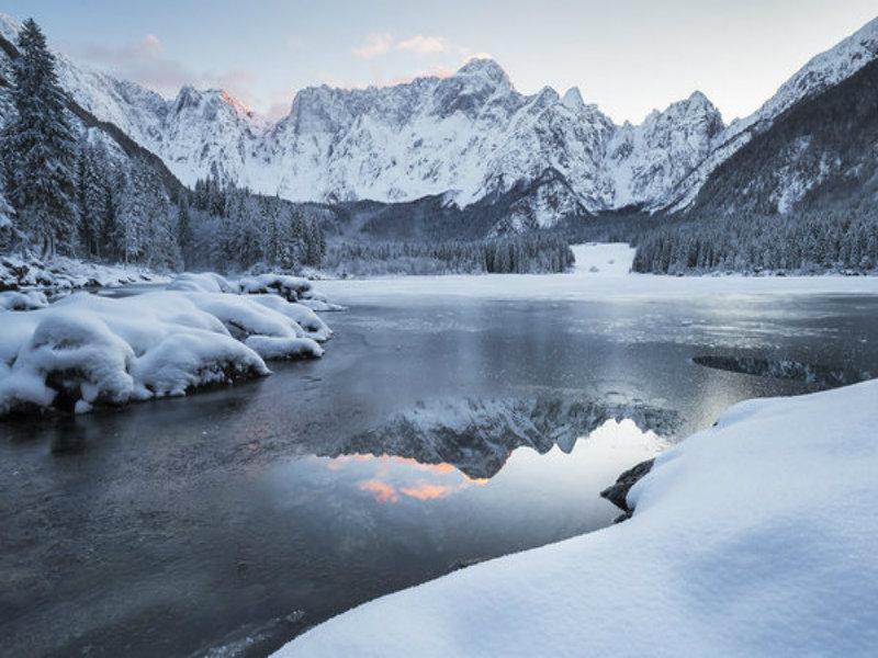 I laghi di Fusine innevati