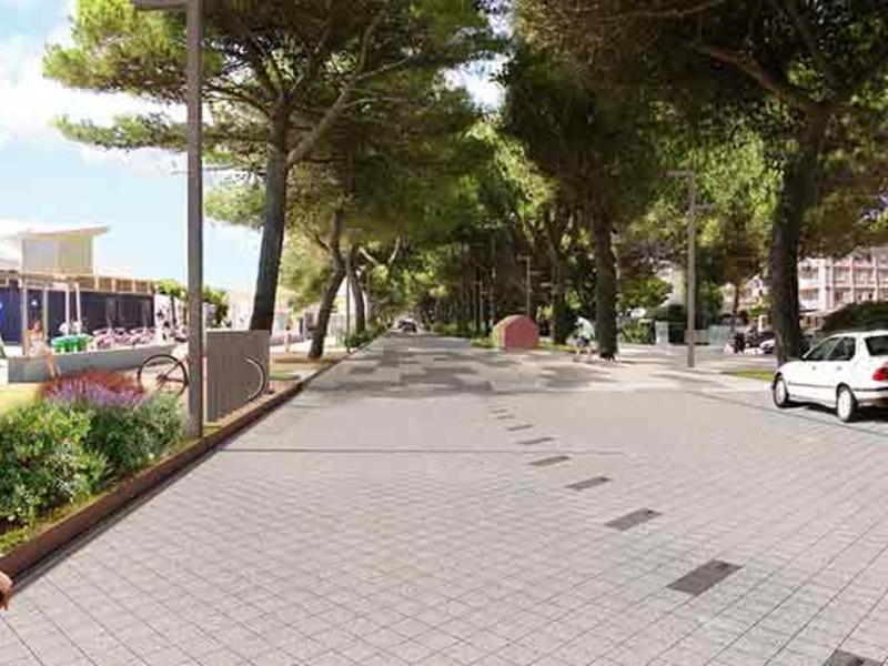 Passeggiata del lungomare alberato di Lignano Sabbiadoro