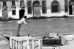 """I veneziani negli anni '60"""" aperta fino al prossimo 14 aprile al Multimedial Laboratory Art Conservation, in Fondamenta della Misericordia 2588."""