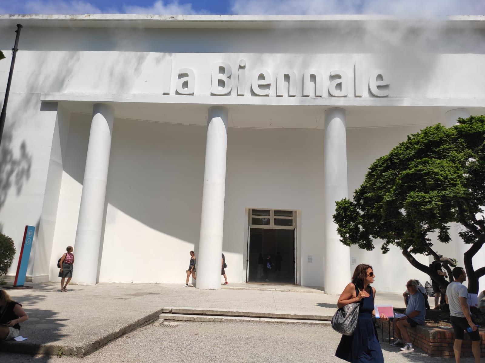 L'esterno del palazzo della Biennale