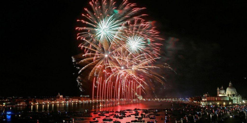 Una vera e propria esplosione di luce vi aspetta sabato 20 luglio