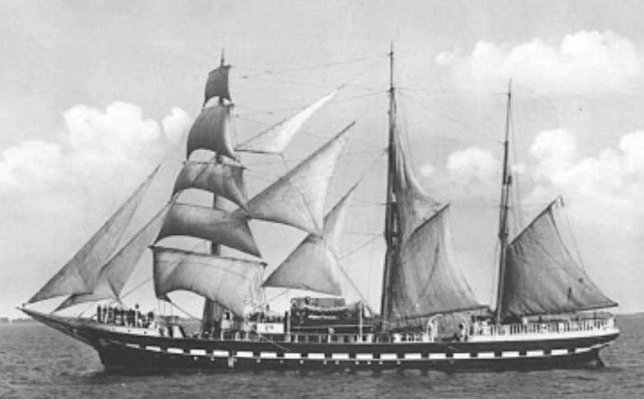 nave asilo Scilla