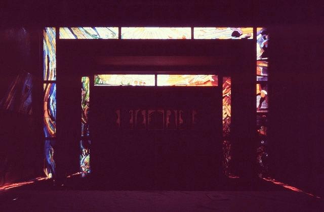 Una vetrata dell'architetto Vio