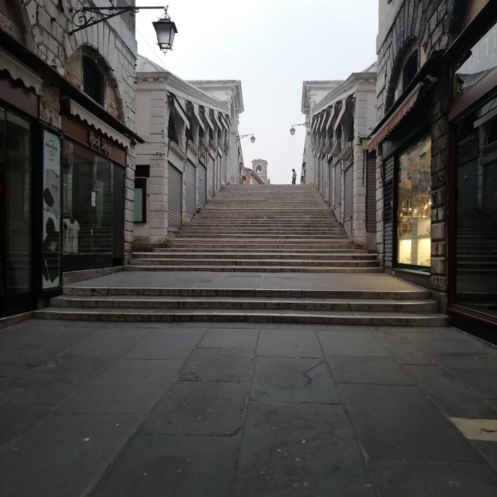 Venezia in quarantena - Scalinata A Venezia