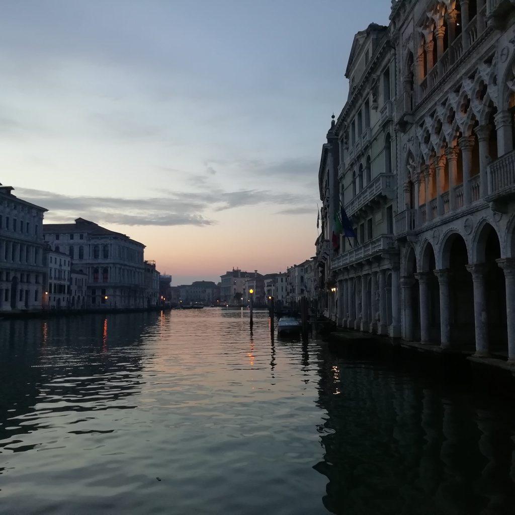 Venezia in quarantena - Scorcio Della Laguna Di Sera