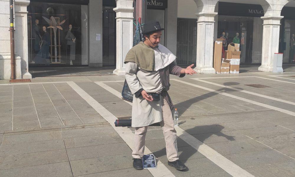 Ali Iusuf Dirie nella piazza