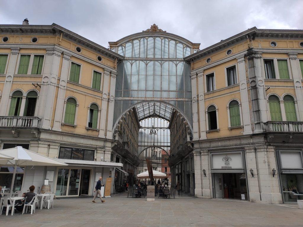 Federica Thomas -  Galleria Matteotti a Mestre