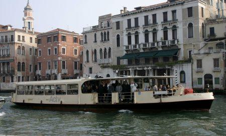 Vaporetto Donna Canal Grande